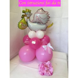 Centrotavola palloncini nascita con cicogna rosa